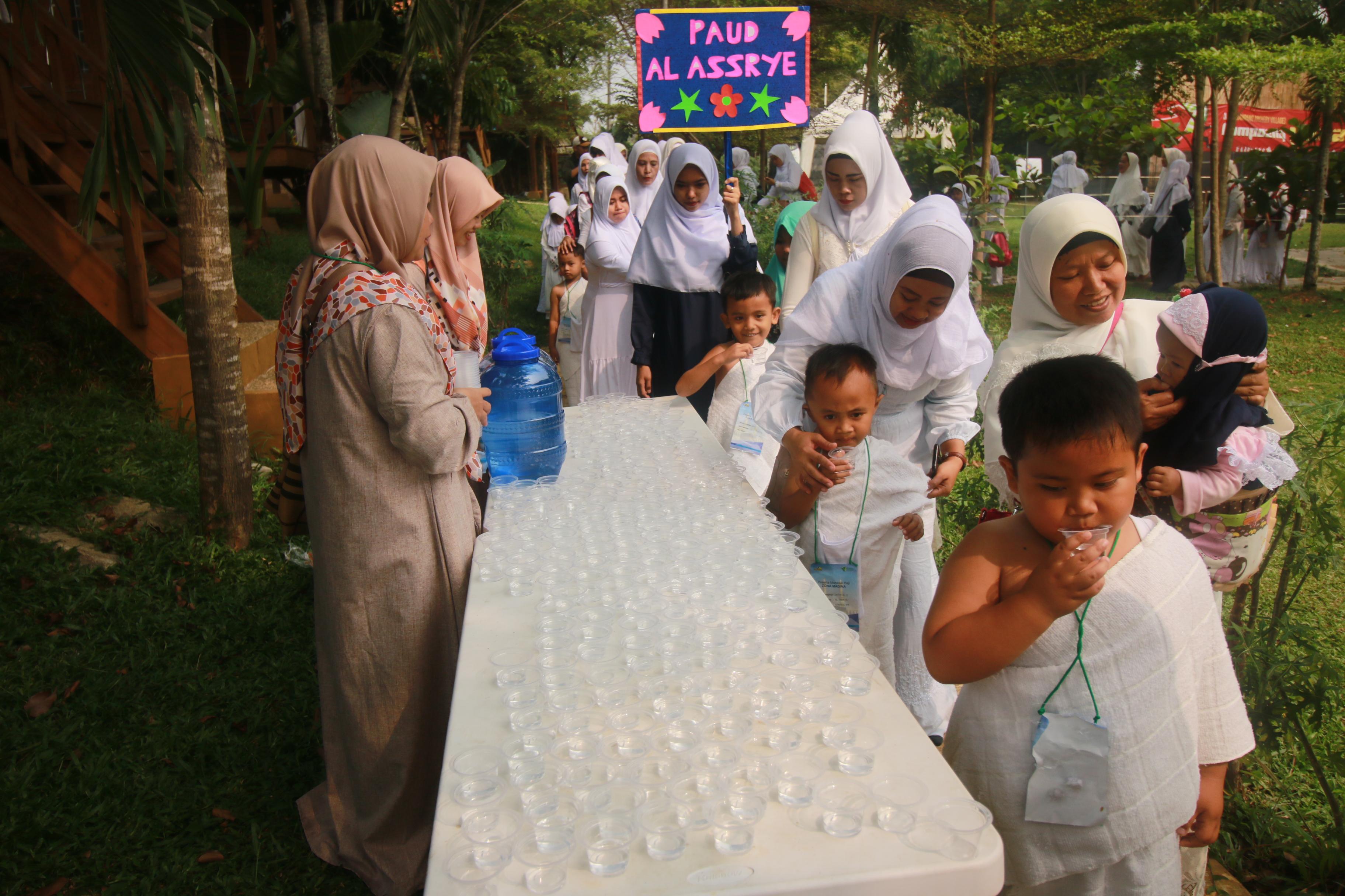 1.500 Anak Usia Dini Ikuti Peragaan Manasik Haji Di Wisata Djampang
