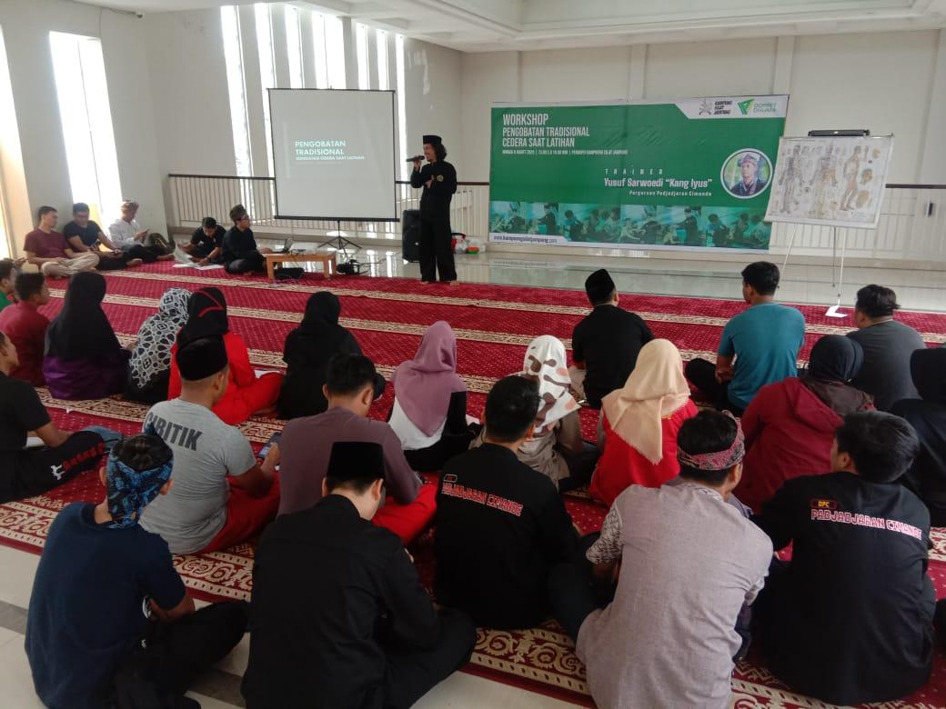 Kampung Silat Jampang Dompet Dhuafa Ajak Dewan Guru dan Pesilat ikuti Workshop Pengobatan Tradisional Cedera Saat Latihan di Wisata Djampang Zona Madina